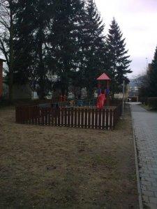 detske-hriste-ul-jezdecka-pred-domem-c-p-329-331